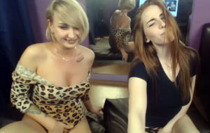 Amateours lesbian for funny in webcam